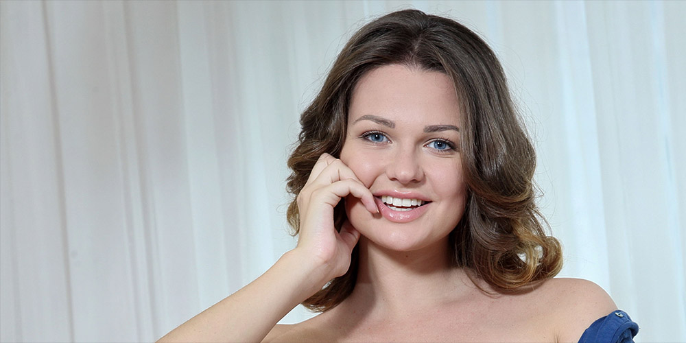 Mobile Sex Chat with Horny Live Webcam Models